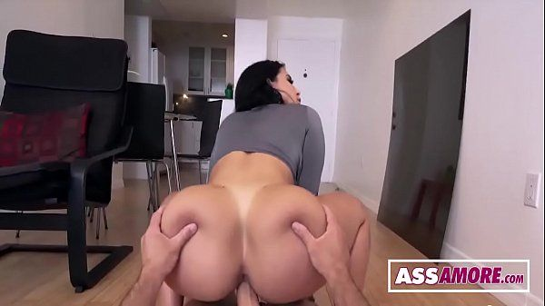 Sortudo filmou o sexo amador com essa vizinha cuzuda