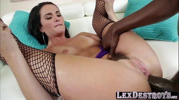 Videos de putaria anal com branquinha e negão