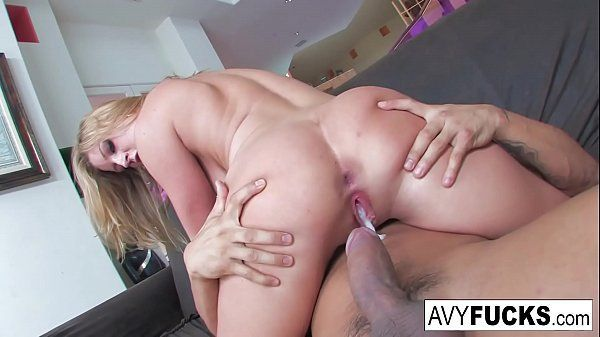 Videos de sexo gostoso com loira rabuda sendo gozada na buceta
