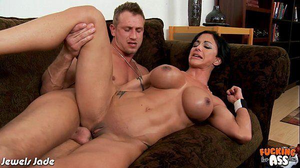 Porno gostosas vídeo adulto de sexo forte com peituda cavalona