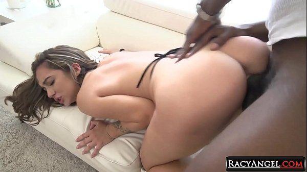 Video de sexo anal com cenas de negros arrombando bundas de safadas
