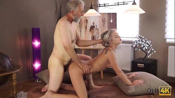 Video incesto com avô comendo neta gostosa