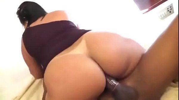 Porno com gostosa brasileira do bundão grande fodendo no motel
